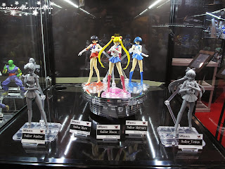 pretty solider sailor moon,naoko takeuchi,mixx entertainment,shoji,sukehiro tomita,toei animation,usagi,serena,neo queen serenity,usage tsukino,sailor senshi, sailor mercury,amy,amy mizuno,ami,ami mizuno, sailor mars,raye,raye hino,rei,rei hino,sailor jupiter,lita kino,makoto kino,sailor venus,minako aino,mina aino,sailor v,figurine,collectibles,sculpture,art,comic con 2013,october 11th 2013,saturday,sunday,comic con sunday,comic con saturday,new york,nyc,manhattan,jacob javits center,newyork,