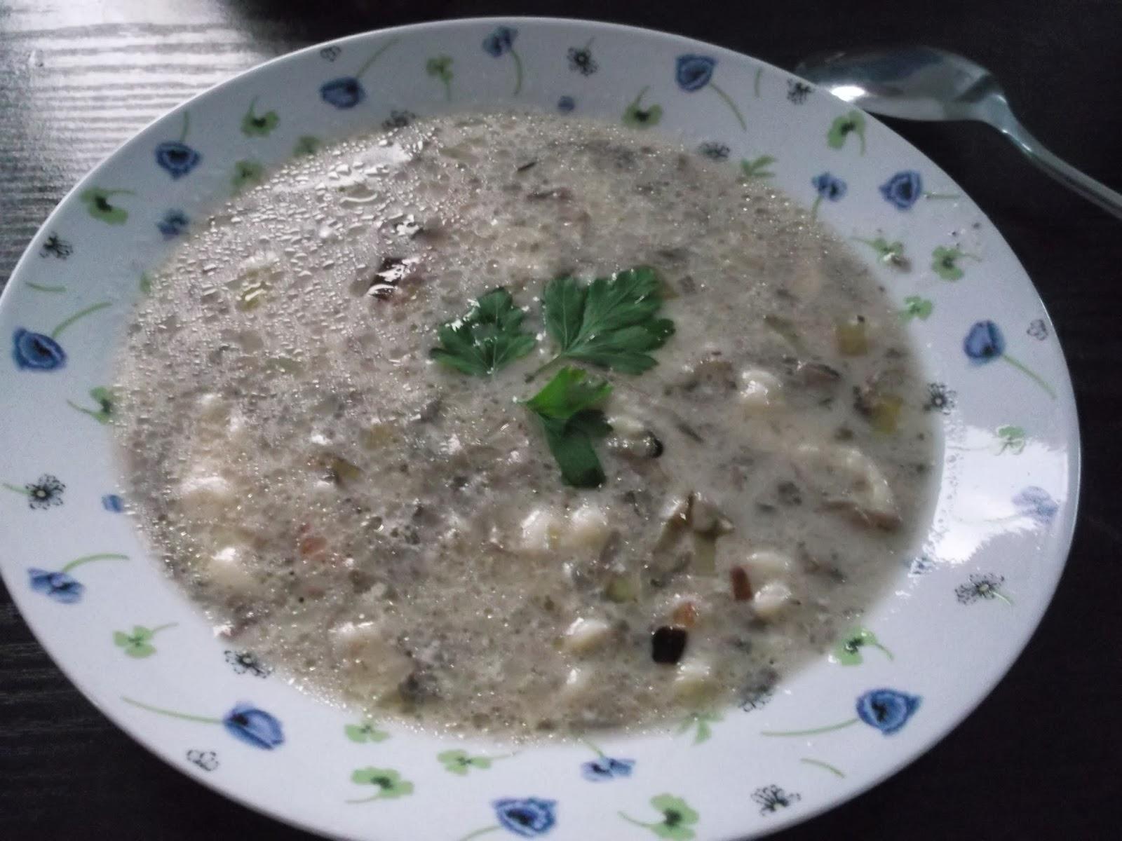 Zupa pieczarkowa z lanymi kluseczkami