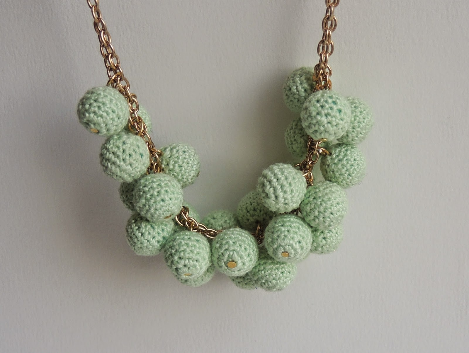 beads, jewelry.jpg, handmade, beads.jpg, jewelry, бусины крючком, обвязать крючком, как обвязать бусину, вязаные бусы, вязаные бусы крючком, вязаные бусы своими руками, бусы своими руками, вязаные крючком, связано крючком, украшение, украшения своими руками, цепочка, бусины на цепочке, как сделать бусы, бусы мастер класс, бусинки фурнитура, салатовый