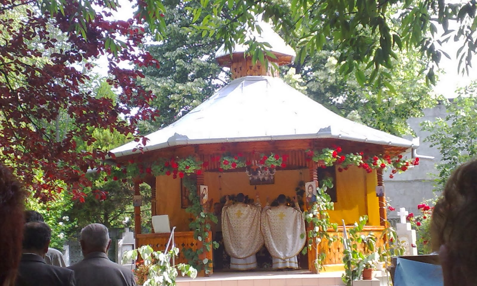 ALTARUL DE VARA