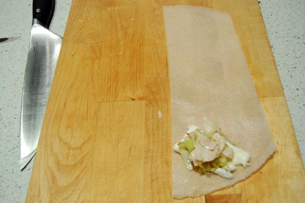 Tri ngulos de pasta brick rellenos de queso gorgonzola - Que hacer con la pasta filo ...