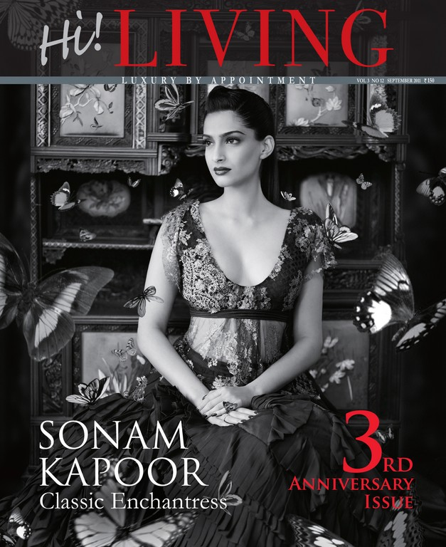 Sonam Kapoor Hi! Living Magazine Scans Sep 2011