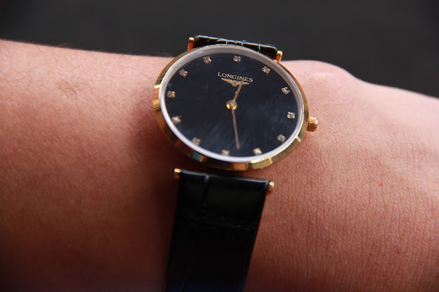 Đồng hồ longines dây da giá rẻ