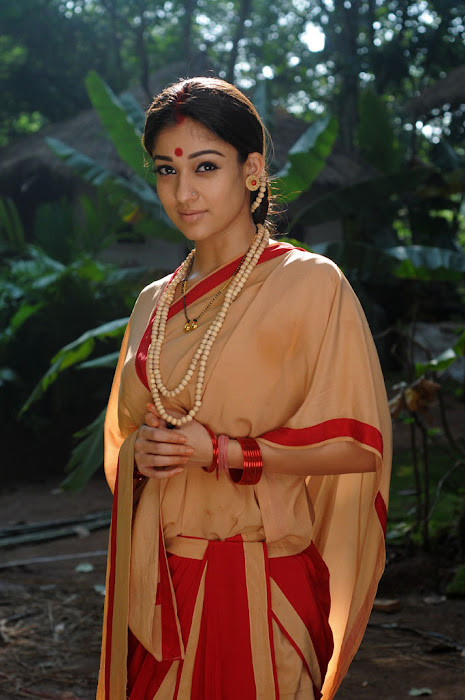 nayanatara from sri rama rajyam, nayanatara in sitha getup latest photos