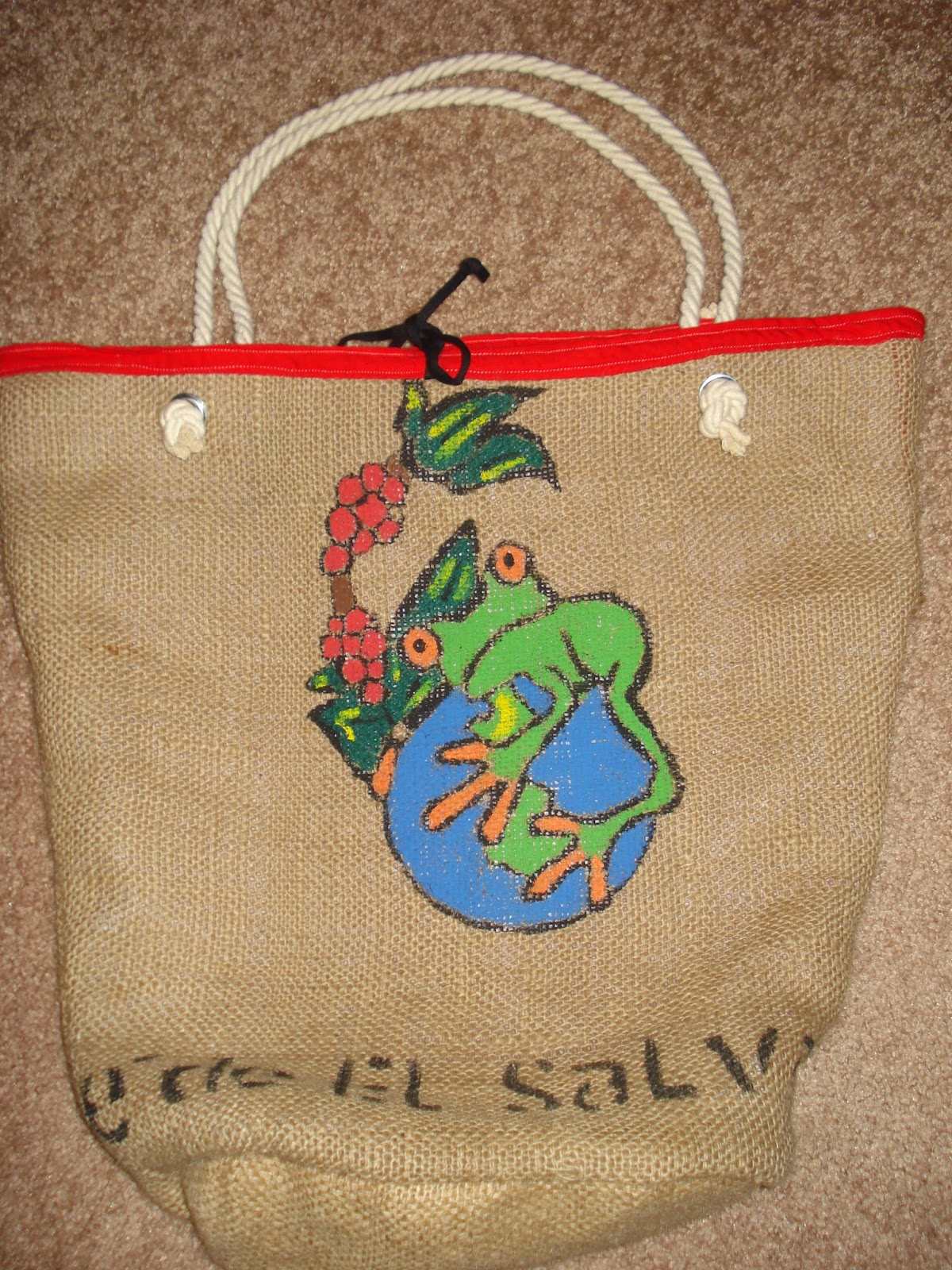 El Salvador burlap beach bag - linaandvi.blogspot.com