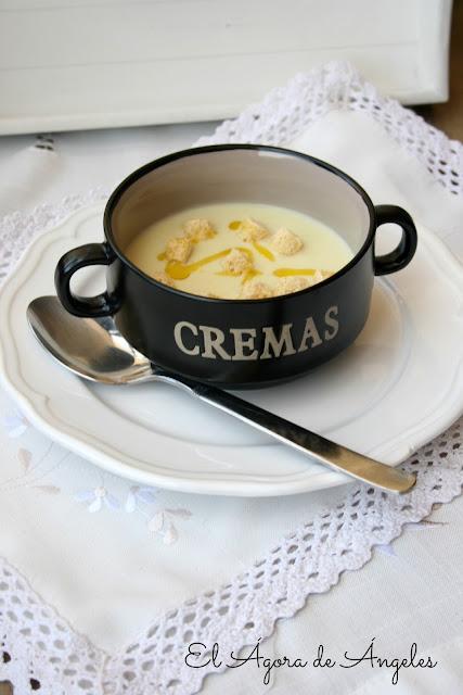sopa fría de calabacín, crema de calabacín
