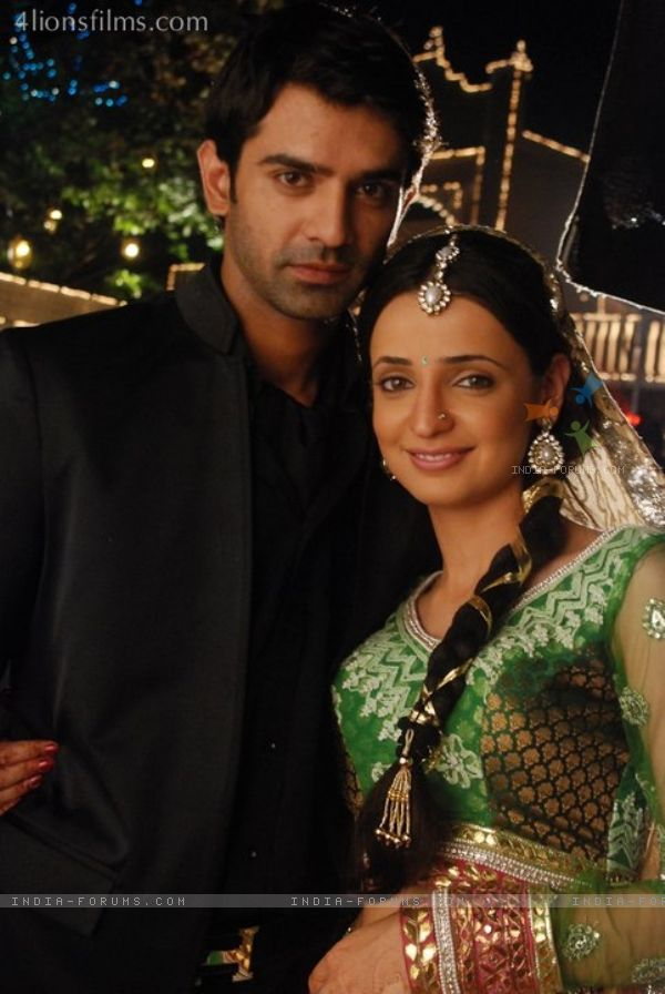 Arnav and Khushi Wallpapers http://fashionstyle55.blogspot.com/2013/02/khushi-arnav-wallpapers-spicy-hd-desktop.html