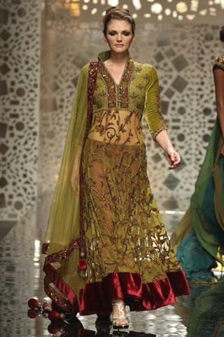 Latest Collection Of Manish Malhotra Designer Suits 2014