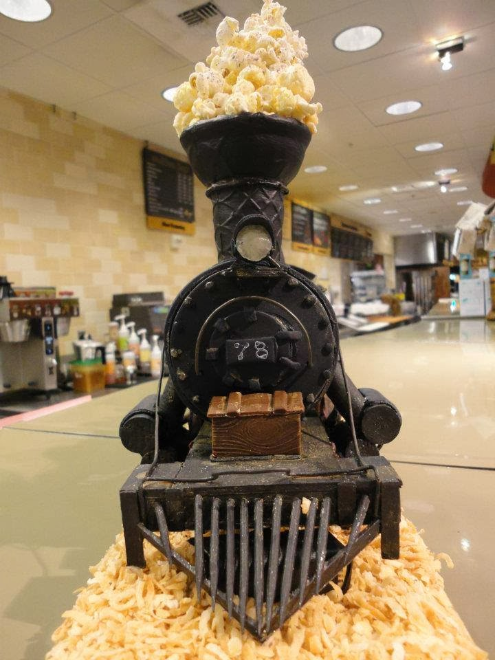 Train Engine Cake Images : Just A Car Guy: Steam locomotive cake, with popcorn ...