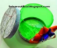 http://brisareutiliza.blogspot.com.es/2014/11/caja-hecha-con-botella-de-plastico.html