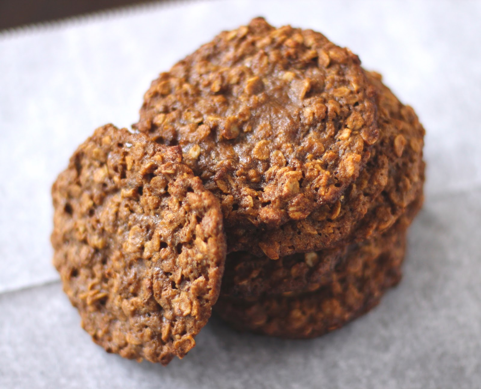 chockohlawtay: Thin & Chewy Peanut Butter Oatmeal Cookies [2 ways]