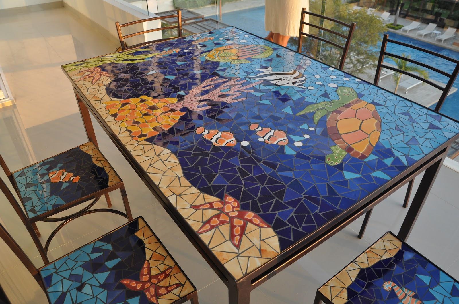 Mesa para exterior acuario marino for Mosaico ceramica