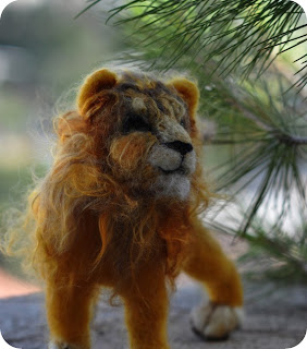 Lion by Daria Lvovsky at Serendipity Handmade blog