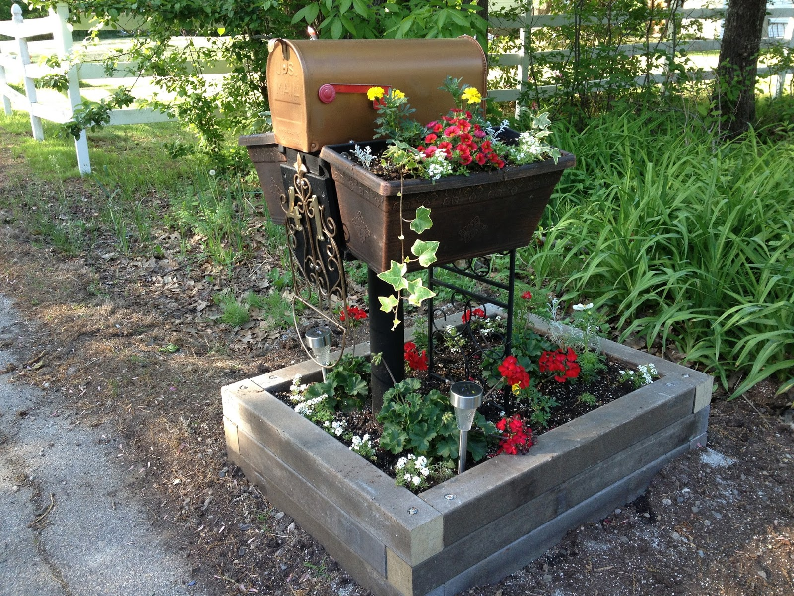 Sprouts: Mailbox Planter Makeover Before And After