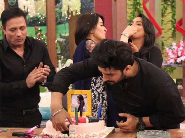Dr Shairta Lodhi Celebrate Her 44th Birthday - See Her Birthday Party Pictures!