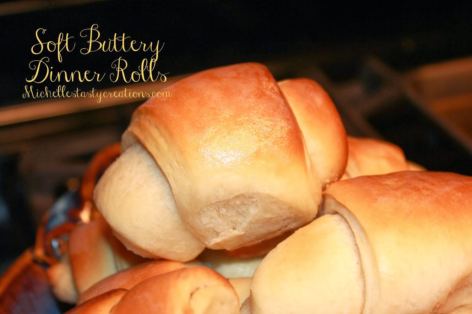 Michelle's Tasty Creations: Soft Buttery Dinner Rolls