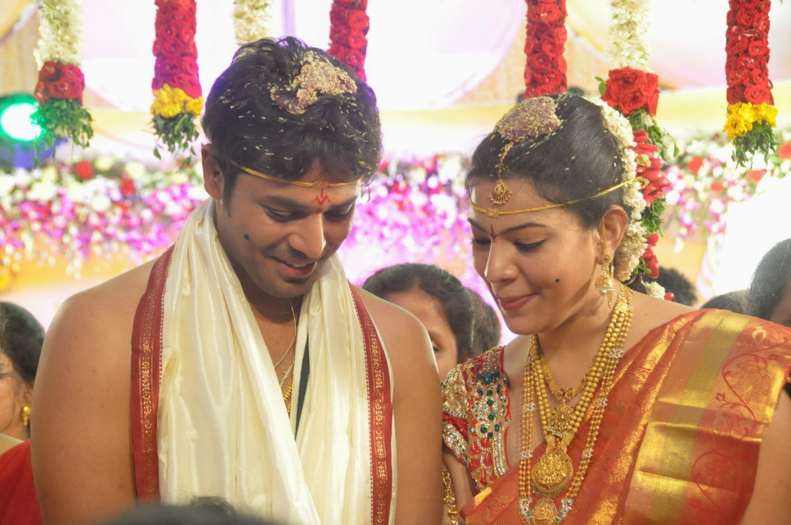 Cinema doctor: May 2012 Aadith d vikram marriage photos