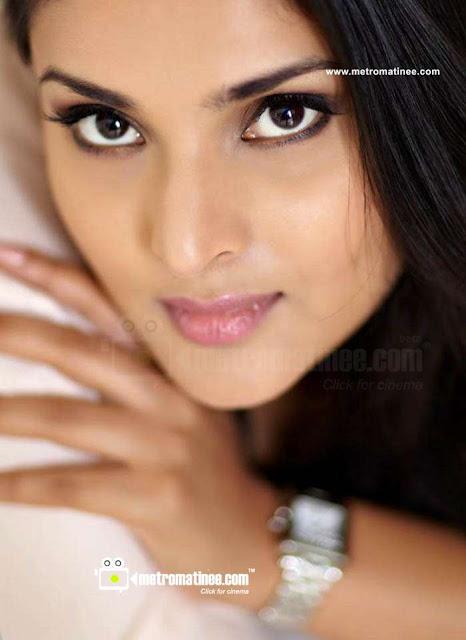 ... actress| seducing body show| exclusive hot gallery| unseen updates