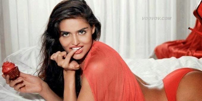 Nathalia-kaur-hot-seducing-photoshoot-2