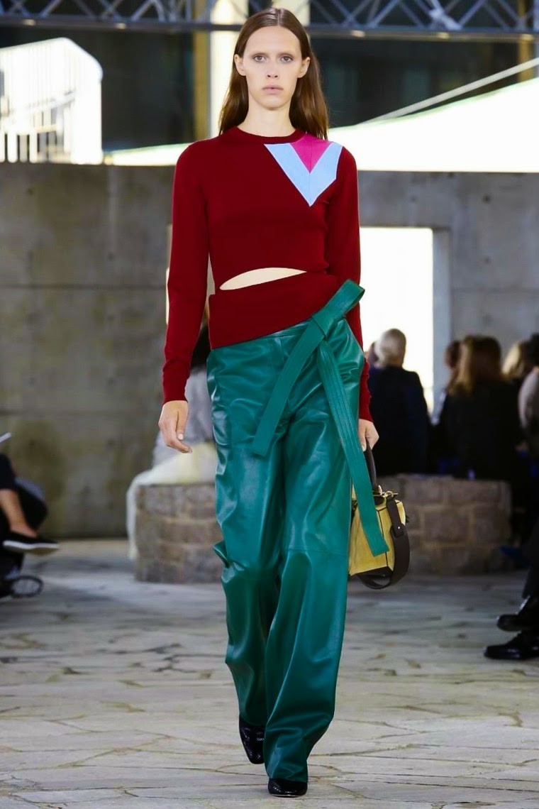 Loewe Bui spring summer 2015, Loewe ss15, Loewe, Loewe ss15 pfw, Loewe pfw, jw anderson, pfw, pfw ss15, pfw2014, fashion week, paris fashion week, du dessin aux podiums, dudessinauxpodiums, vintage look, dress to impress, dress for less, boho, unique vintage, alloy clothing, venus clothing, la moda, spring trends, tendance, tendance de mode, blog de mode, fashion blog,  blog mode, mode paris, paris mode, fashion news, designer, fashion designer, moda in pelle, ross dress for less, fashion magazines, fashion blogs, mode a toi, revista de moda, vintage, vintage definition, vintage retro, top fashion, suits online, blog de moda, blog moda, ropa, asos dresses, blogs de moda, dresses, tunique femme,  vetements femmes, fashion tops, womens fashions, vetement tendance, fashion dresses, ladies clothes, robes de soiree, robe bustier, robe sexy, sexy dress