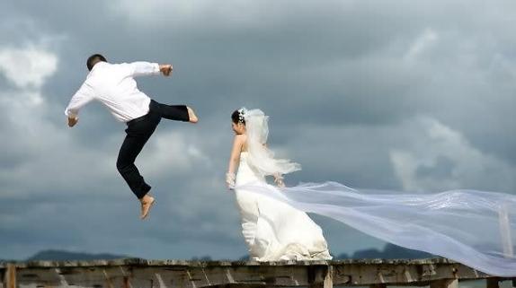 Thơ chế về : Nếu biết ngày mai em lấy chồng