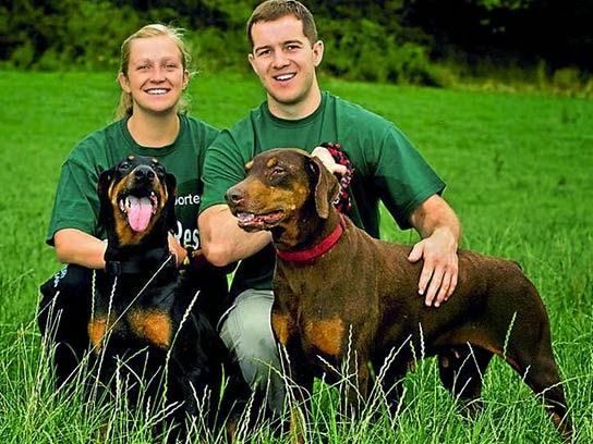 Fotos de cachorros fofos com os donos