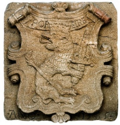 Escudo de Ourense, del Museo Arqueológico de Ourense