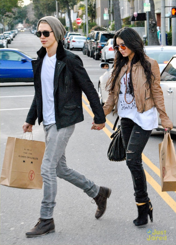Mundo Fanmania: Vanessa Hudgens y Butler Austin de compras ...