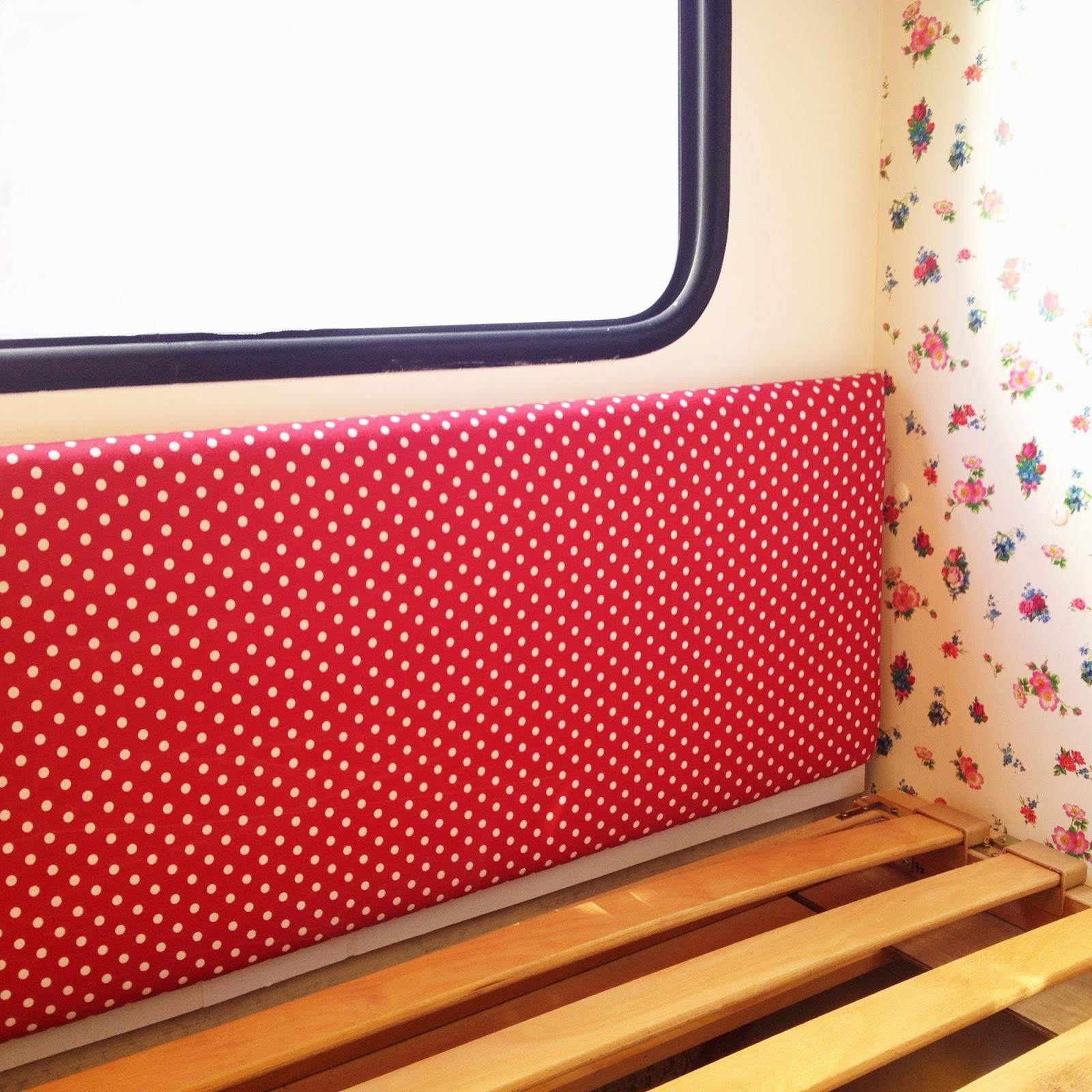 lolo und theo viel wei e farbe bunte blumen und h bsches vom flohmarkt. Black Bedroom Furniture Sets. Home Design Ideas