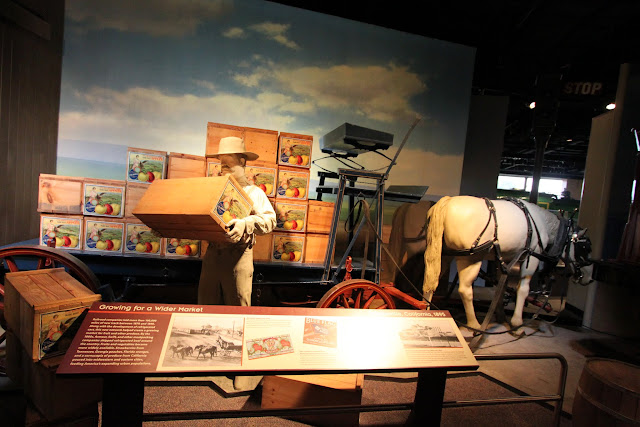 Transporting goods with horse carriage at National Museum of American History in Washington DC, USA