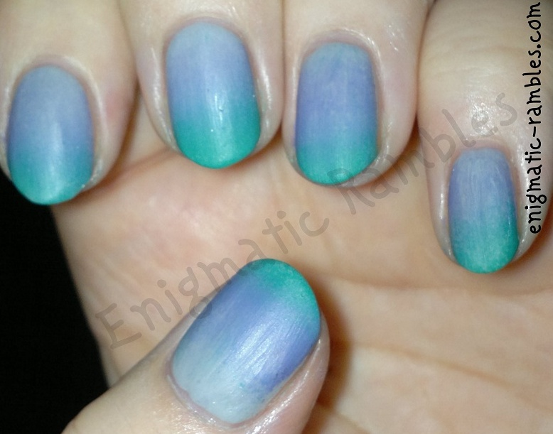 pastel-gradient-nails-sally-hansen-dorian-grey-mua-frozen-yoghurt-elf-teal-blue