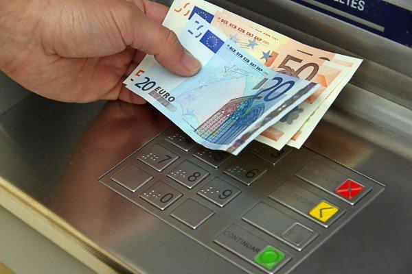 Αναληψεις εως 420 ευρω απο σημερα τεταρτη εως και την Παρασκευη