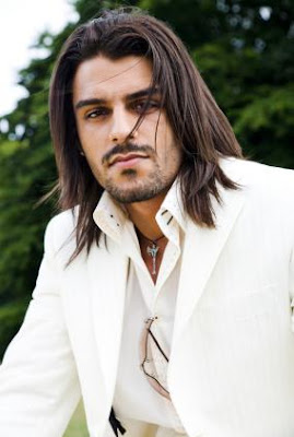 MENS HAIRSTYLES FOR LONG HAIR