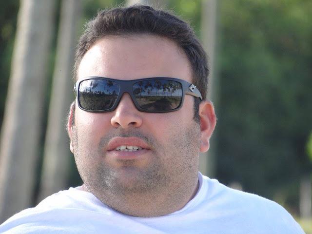http://www.blogdofelipeandrade.com.br/2015/11/thiago-albertim-o-secretario-que-caiu.html
