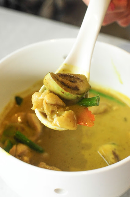 best green curry chicken singapore