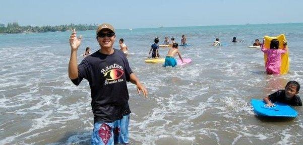 Pesona Pantai Carita Pandeglang-Banten