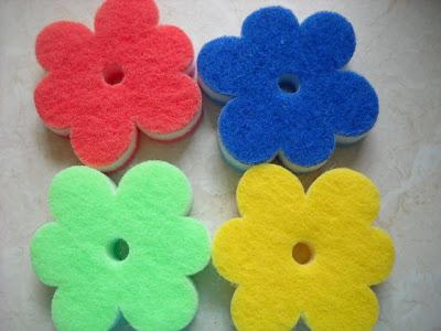 Kwiatki z gąbki i ćwiczymy....