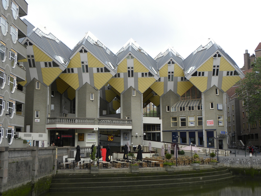 Travels ballroom dancing amusement parks cube houses for Huizen rotterdam