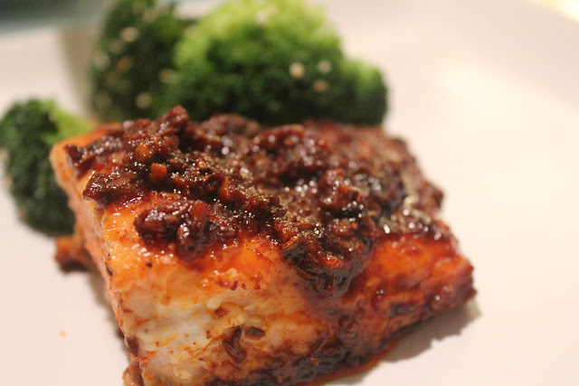 Salmon with spicy tomato topping