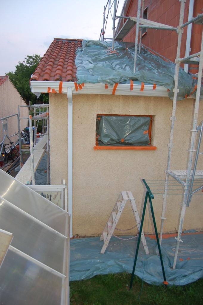 Agrandissement d 39 une maison par le haut 55 me jour for Agrandissement maison par le haut