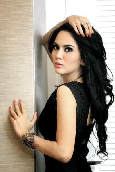 Foto-foto Anggita Sari Sang Artis Dan Model Super Cantik