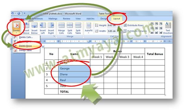Gambar: Cara menghapus satu atau beberapa baris di Microsoft Word melalui ribbon