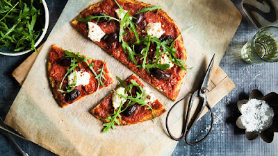 Gluten-free cauliflower pizza