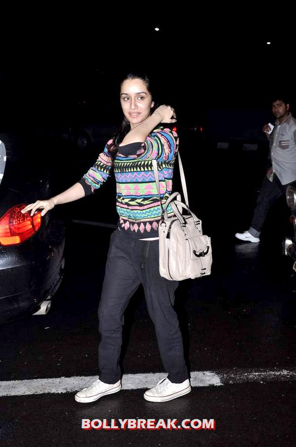 Shraddha Kapoor - Shraddha Kapoor snapped at Mumbai Airport