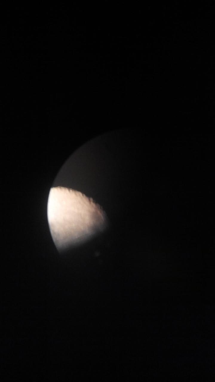 menelusuri keindahan bulan