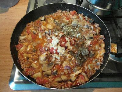 Papryki faszerowane mięsem mielonym i pieczarkami - przygotowanie