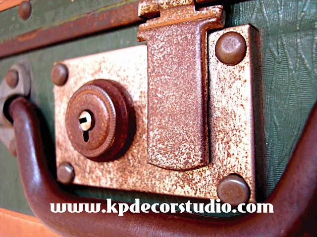 KP. Comprar maletas antiguas para decorar salón, combinar elementos vintage, conjunto de maletas. Buy old suitcase, valise