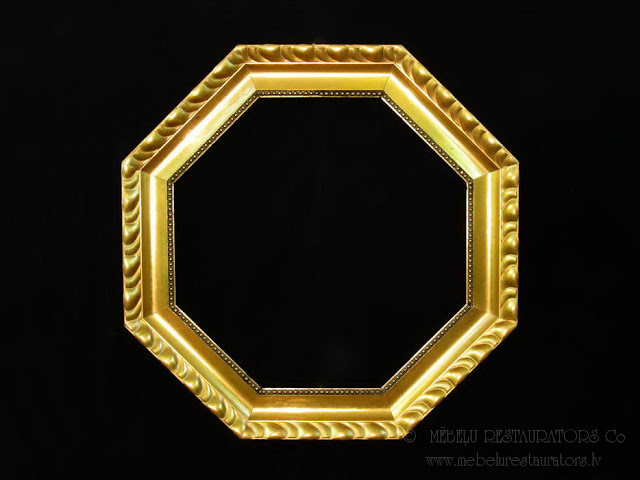 Pārdošanā zeltīts astoņstūrains gleznas vai spoguļa rāmis - 20.gs sākums. Restaurēts