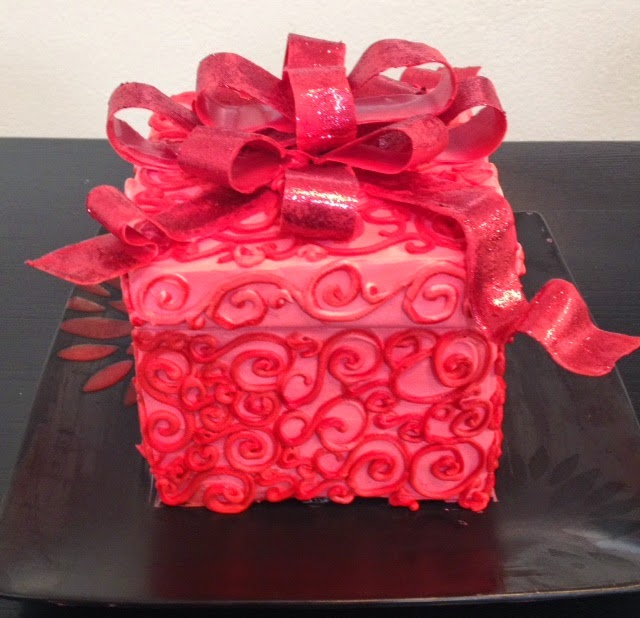 Cake Decorating Gifts : Frosted Art: Gift Box Cake- Cake Decorating- Buttercream