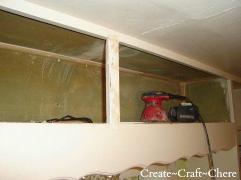 Retro kitchen makeover-remove cabinet doors to create display shelves